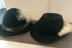 ©-Efteling-Efteling-verkoopt-Tirolerhoedjes-die-ooit-onderdeel-waren-van-de-werkkleding-bij-de-Bobbaan