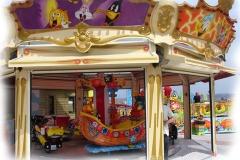 Carousel001