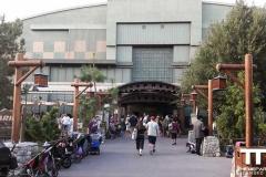 Disney-California-Adventure-Park-(2b)