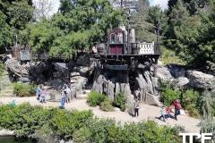 Disneyland-resort-Anaheim-90
