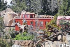 Disneyland-resort-Anaheim-96