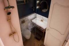 650x370-hotelkamer-impressie-badkamer-bovenaf