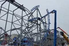 1.4-roller-coaster-giant-crane