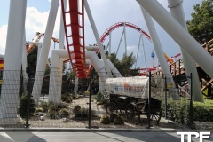 Knotts-Berry-Farm-100